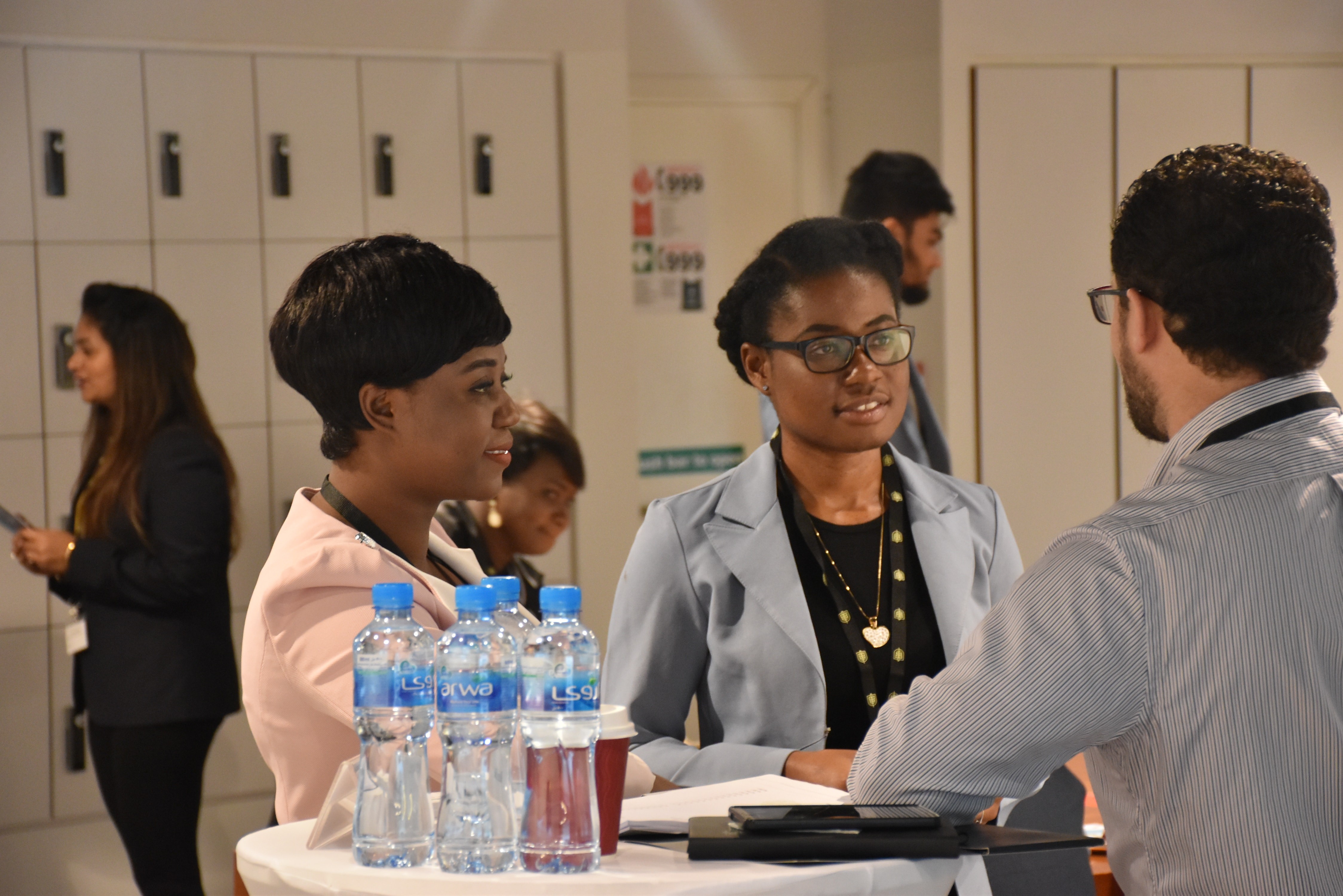 Top 5 tips to stand out at a careers fair