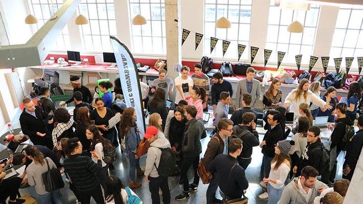 Hult students at a career fair