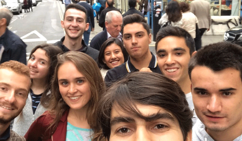 Exploring London with other undergraduate students in the first few weeks at Hult.
