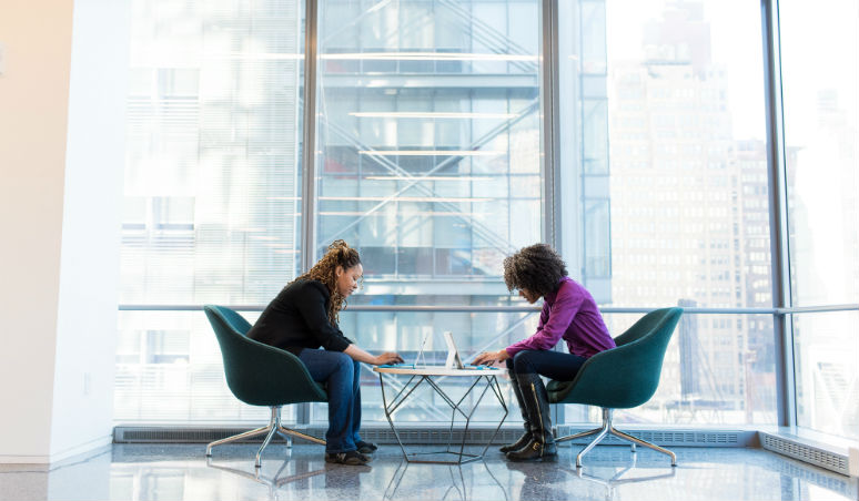 How to improve employee loyalty in a rapidly changing and digitized workplace