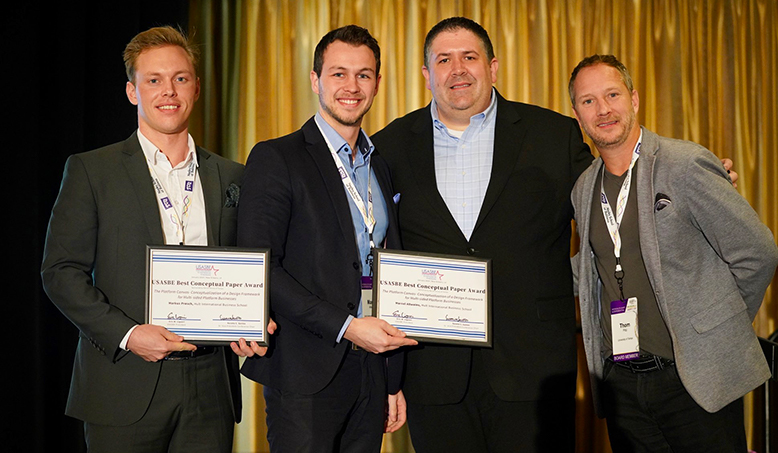 Dual Degree students Markus and Marcel win Best Conceptual Paper at USASBE